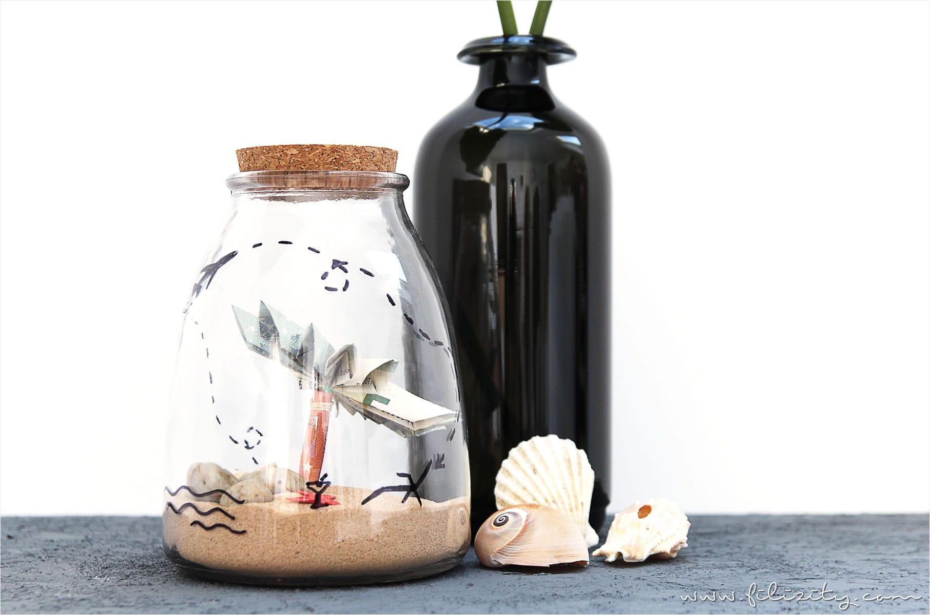 geldgeschenke pers nlich und kreativ verpacken wie w r 39 s mit einem reiseglas f r den zuschuss. Black Bedroom Furniture Sets. Home Design Ideas
