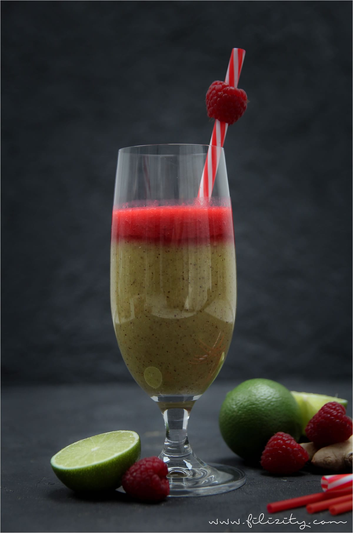 kiwi ananas himbeer smoothie mit ingwer booster f r das immunsystem. Black Bedroom Furniture Sets. Home Design Ideas