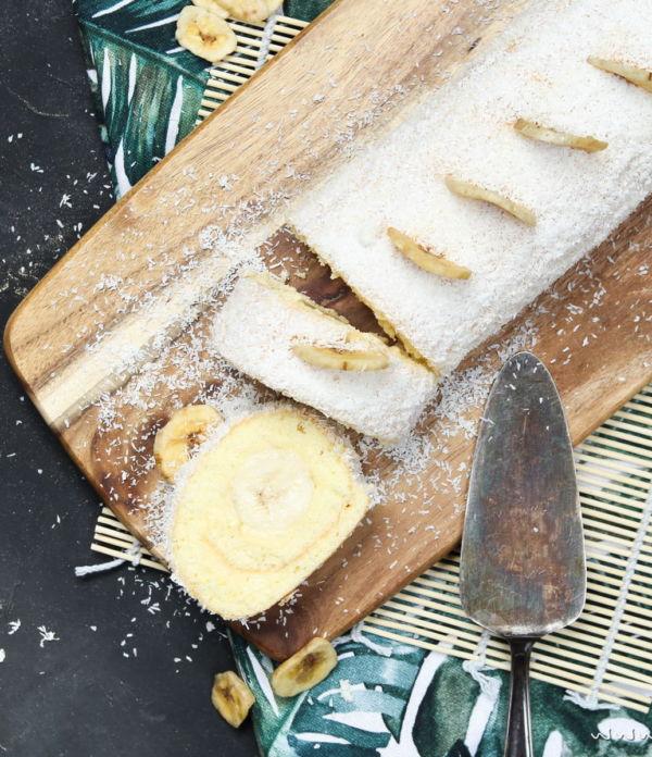 Einfaches Tortenrezept: Bananen-Kokos-Biskuitrolle mit Puddingcreme