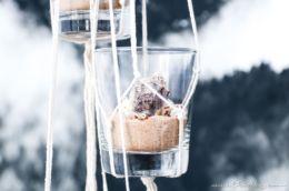 DIY Hänge-Deko mit Muscheln und Sand – Konserviere deinen Sommerurlaub #sommer #muscheln #sand #makramee