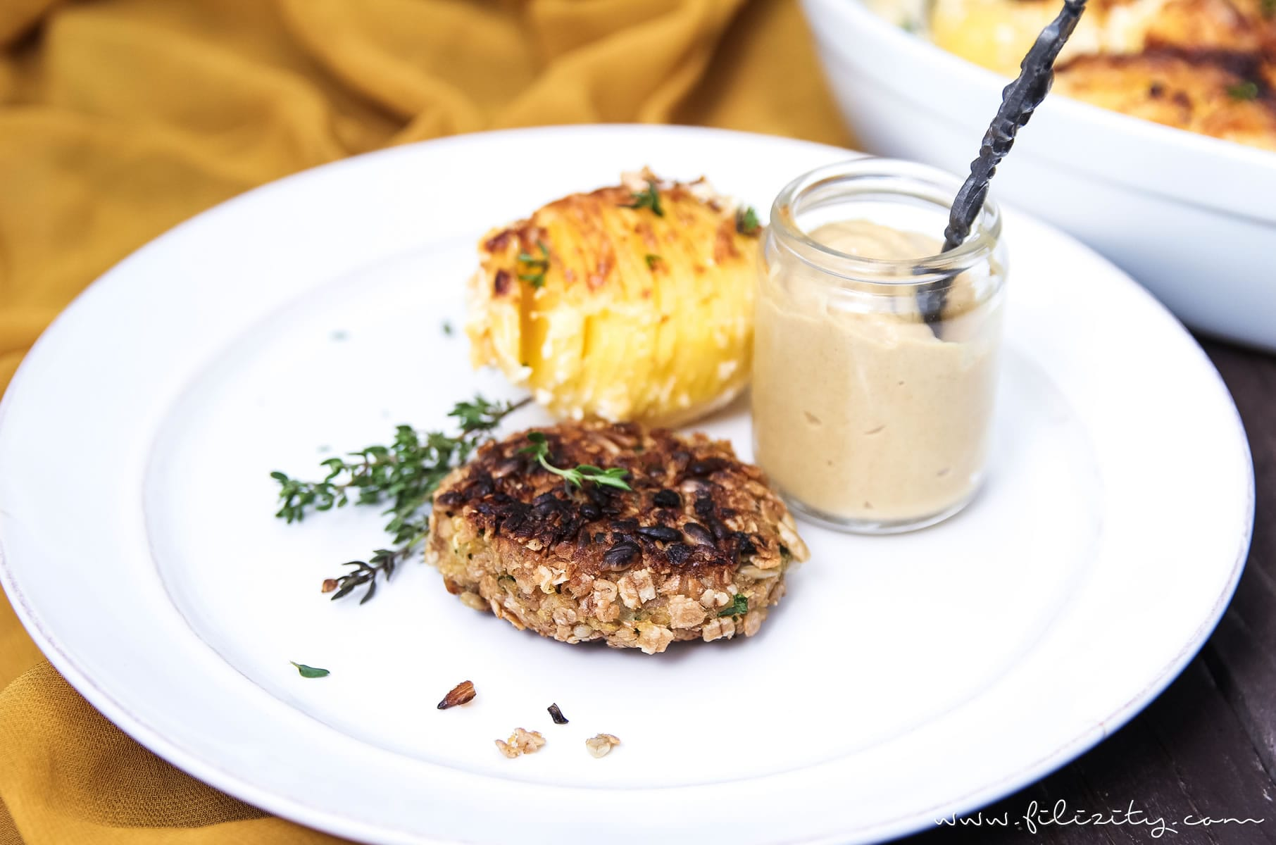 Rezept: Vegetarische Dinkel-Frikadellen, Zu Kartoffelgratin oder Nudelsalat, als Snack oder einfach im Brötchen #rezept #vegetarisch #veggie