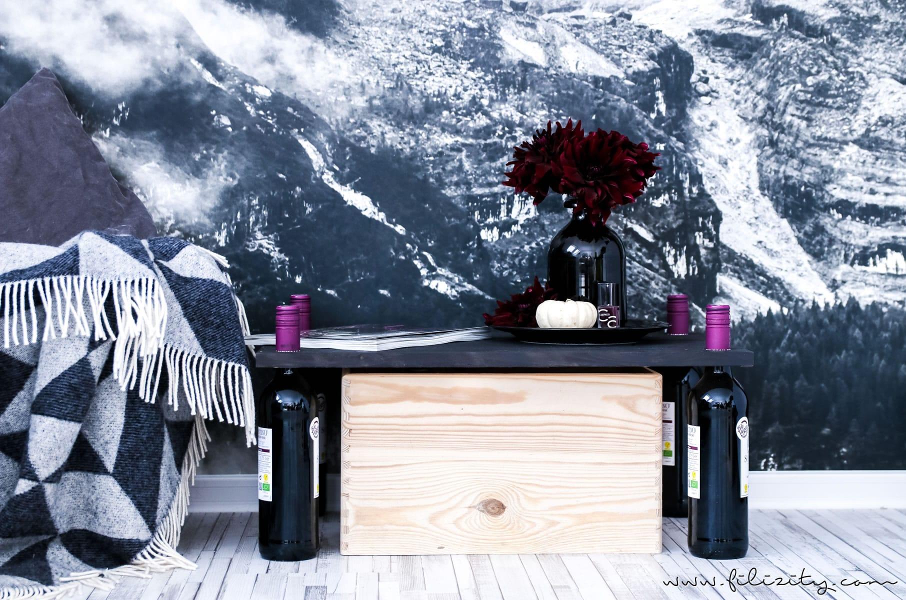 Altglas stilvoll aufbewahren – DIY Aufbewahrungs-Tisch / Regal mit Friends of Glas #altglas #glas #aufbewahrung