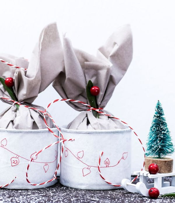 Recycling: Adventskalender basteln aus alten Dosen