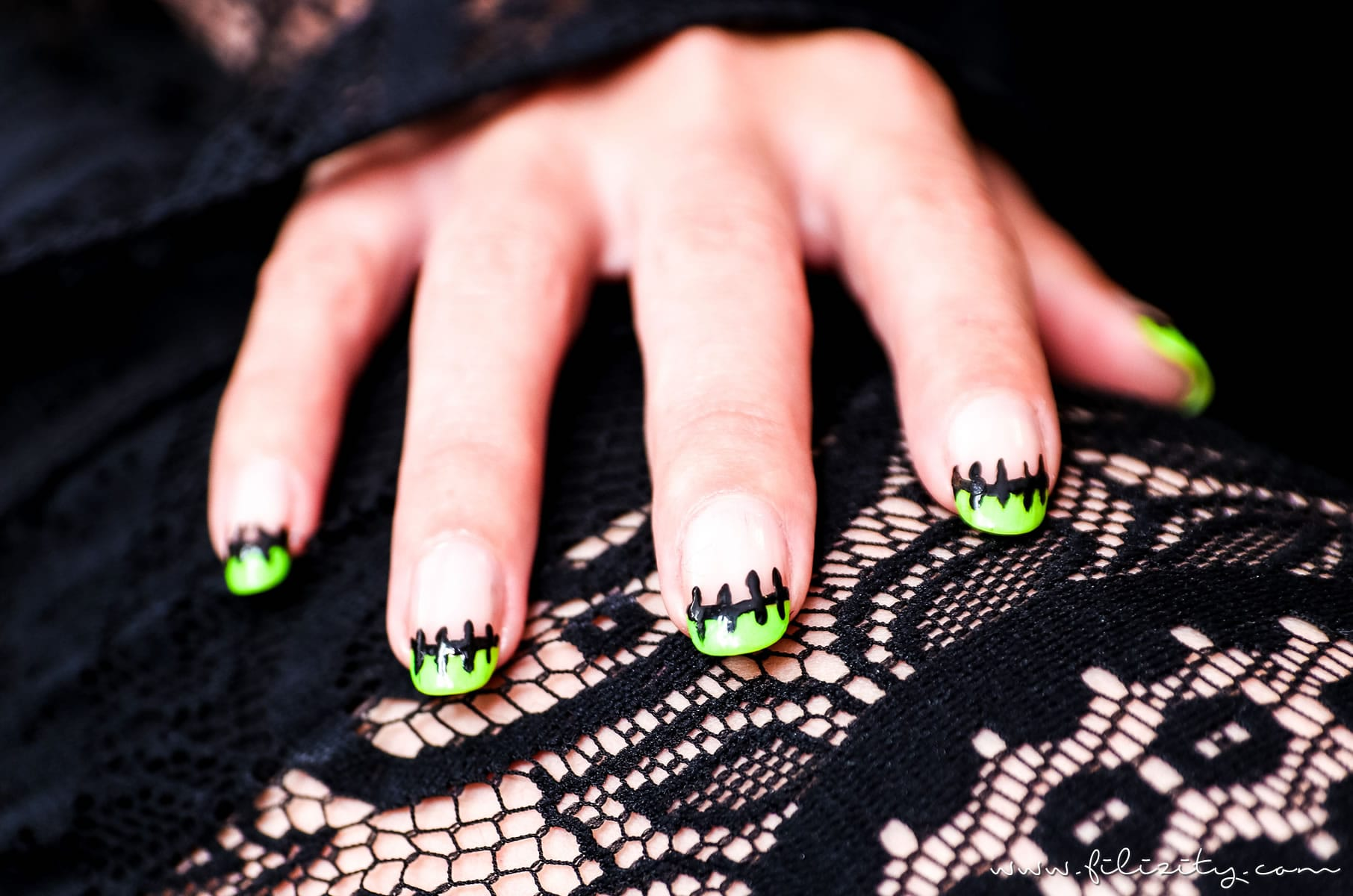 "Flippiges Halloween Nageldesign ""Frankenstein"" 