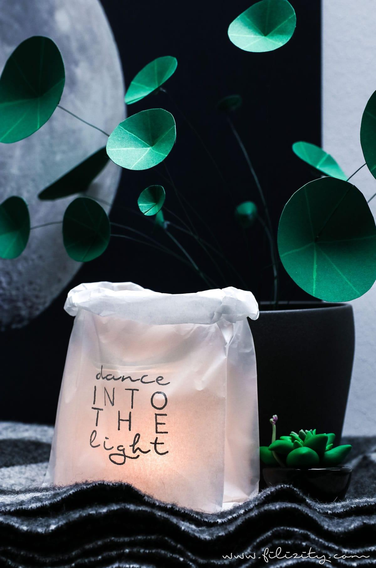 Lichttüten / Papier-Windlichter basteln – Gemütliche Herbstdeko | Filizity.com | DIY-Blog aus dem Rheinland #herbstdekoration