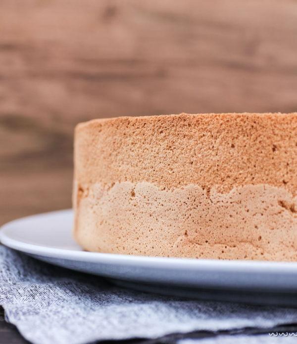 Gelingsicheres Biskuitteig Rezept für Torten & Desserts