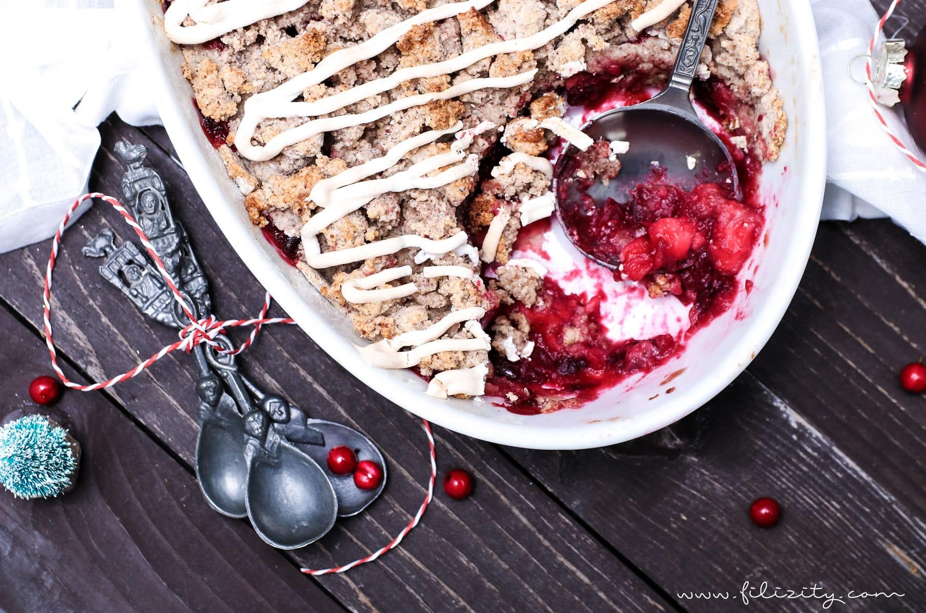 Rezept für Weihnachts-Crumble mit Cranberries und Zimtsterne-Streuseln | Filizity.com | Food-Blog aus dem Rheinland #dessert #weihnachten #zimtsterne #plätzchen
