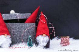 DIY Wichtel basteln ohne Nähen – Süße Weihnachtsdeko und Geschenkidee | Filizity.com |DIY-Blog aus dem Rheinland #weihnachten #geschenkidee #weihnachtsdeko