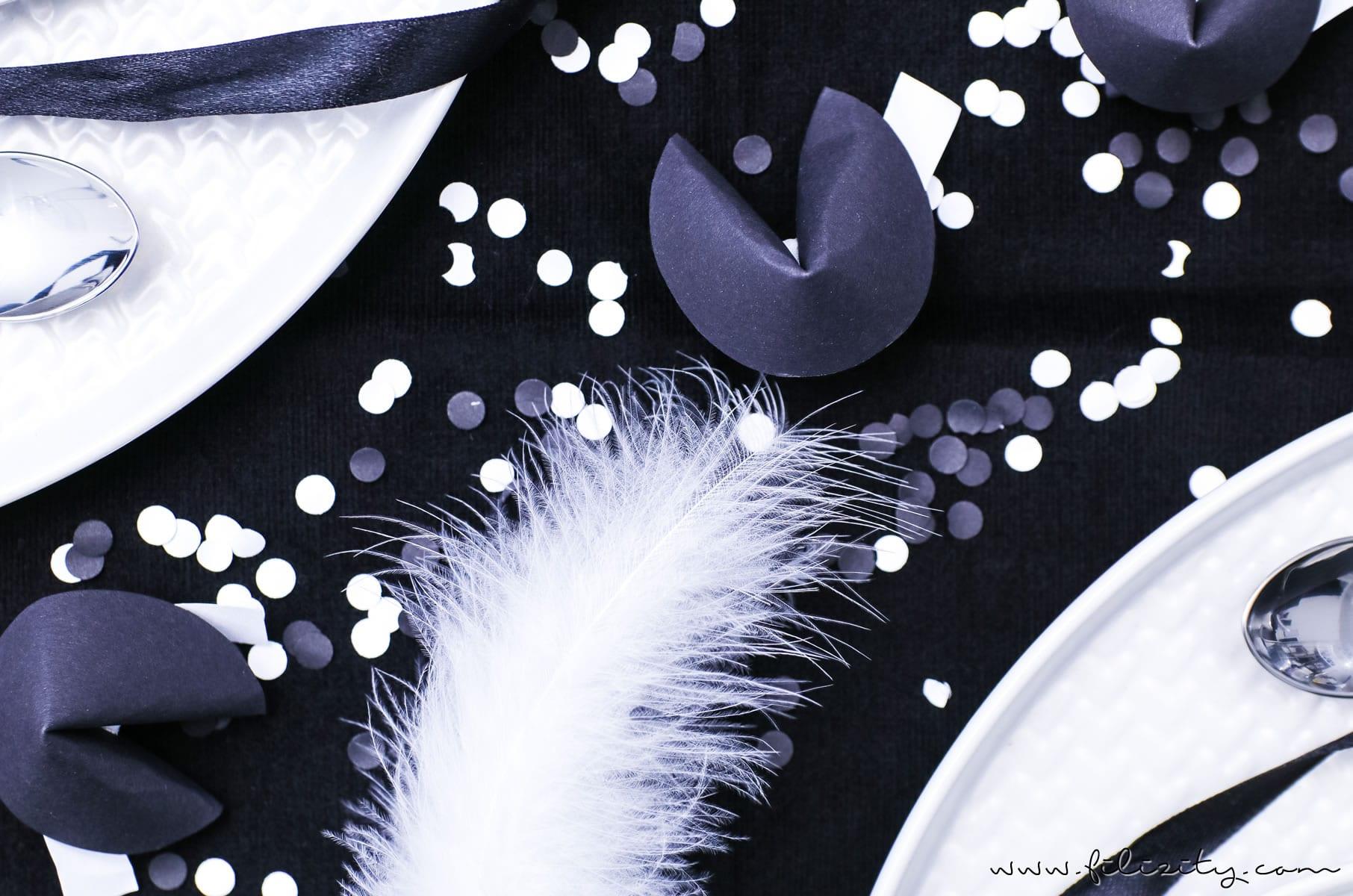 DIY Geschenkidee & Tischdeko für Silvester: Papier-Glückskekse basteln mit Neujahrswünschen | Filizity.com | DIY-Blog aus dem Rheinland #silvester #nye
