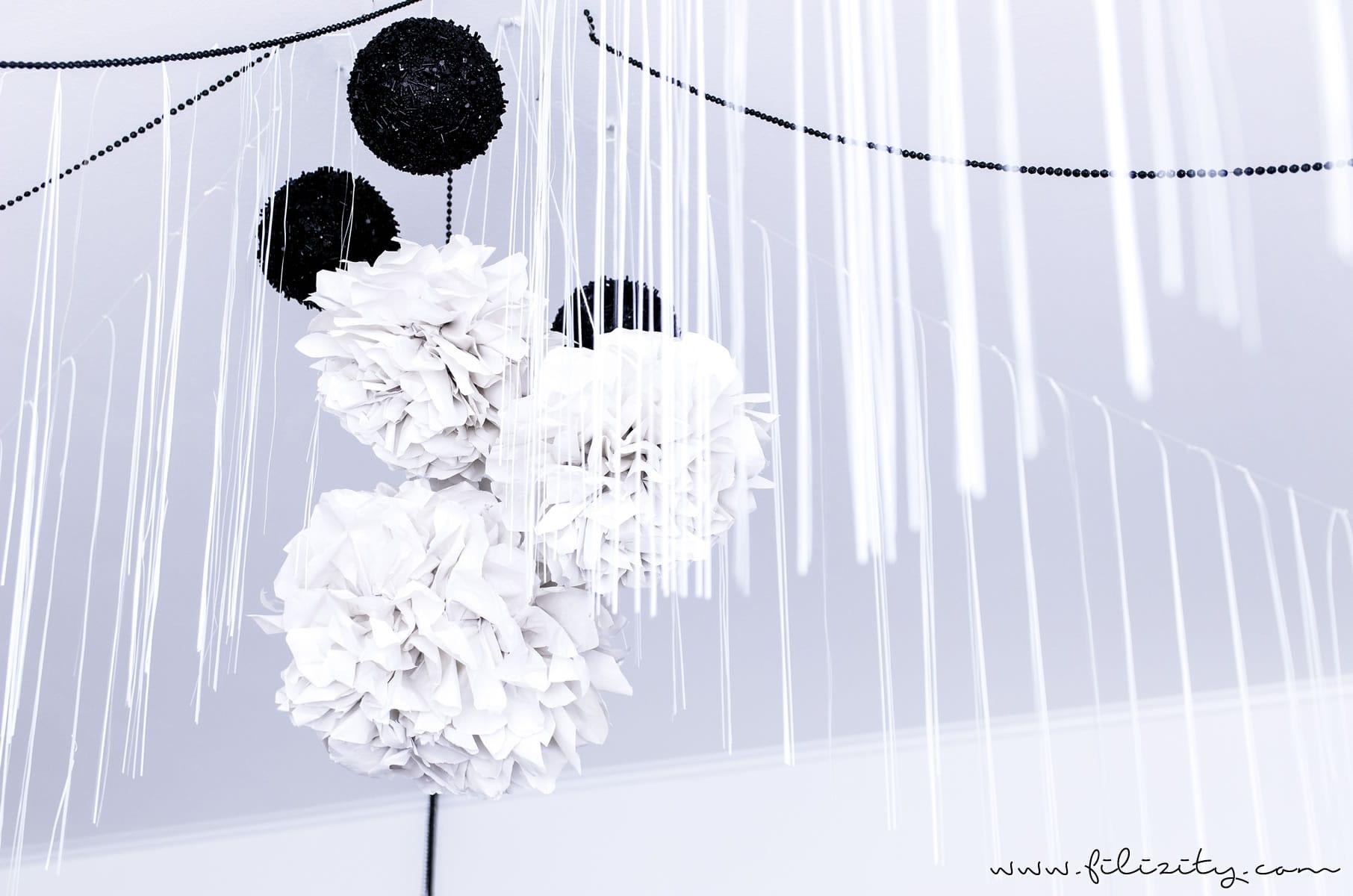 DIY Party-Deko: Papier Pompons basteln für die Geburtstagsfeier, als Hochzeitsdeko oder für die Silvester-Party | Filizity.com | DIY-Blog aus dem Rheinland #party #silvester #nye