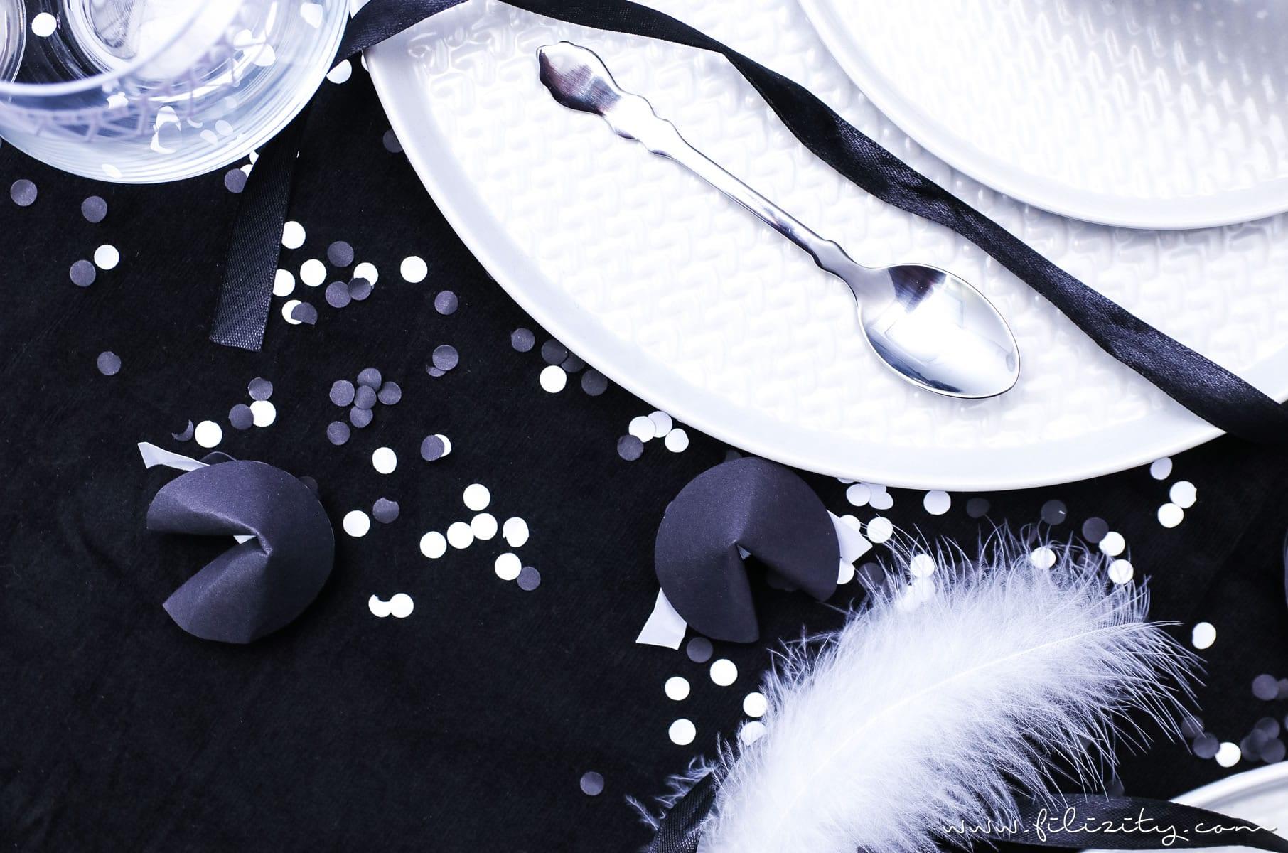 Black&White Party- und Tischdeko für Silvester | Filizity.com | Interior-Blog aus dem Rheinland #silvester #nye #deko
