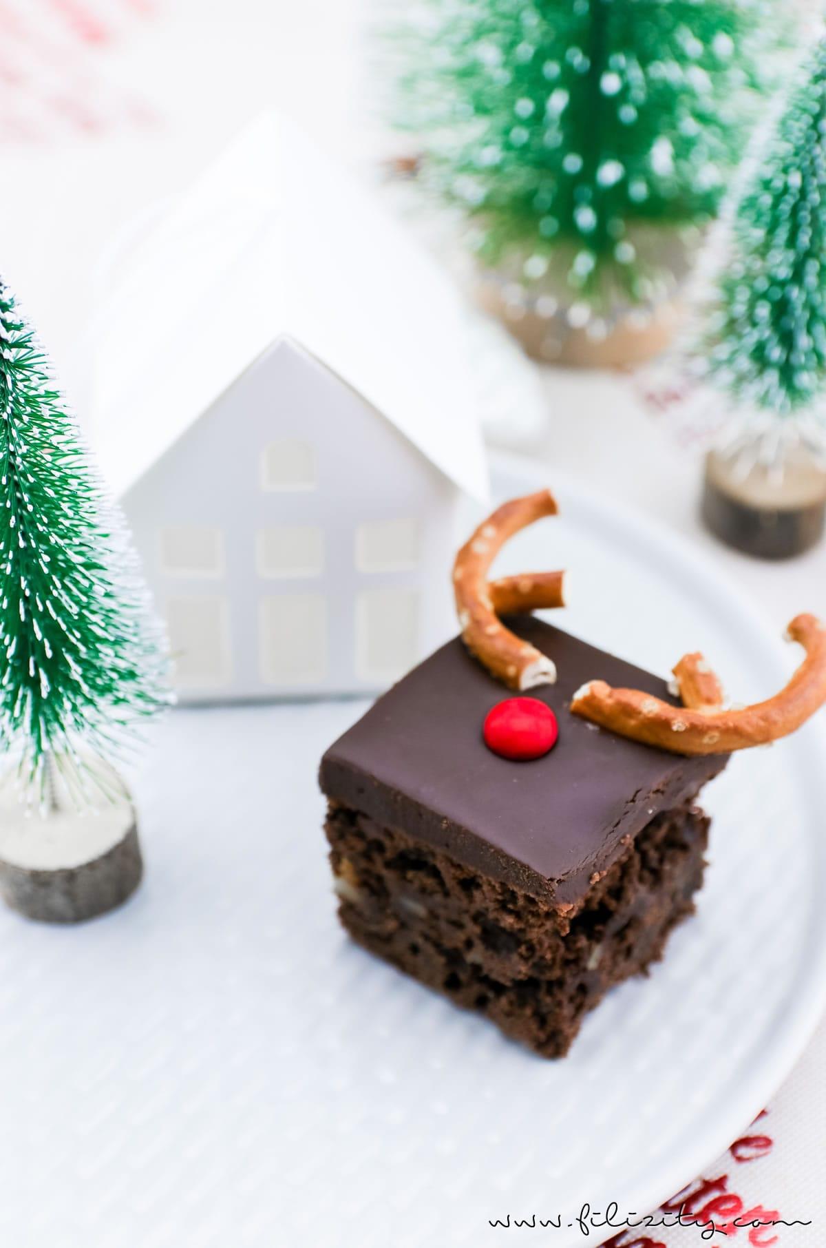Rezept: Rudolph Brownies – Der schokoladigste Weihnachts-Kuchen (Death by Chocolate mit Smarties und Brezeln) | Filizity.com | Food-Blog aus dem Rheinland #deathbychocolatte #nomatterwhatthequestionischocolateistheanswer #weihnachten #rudolph