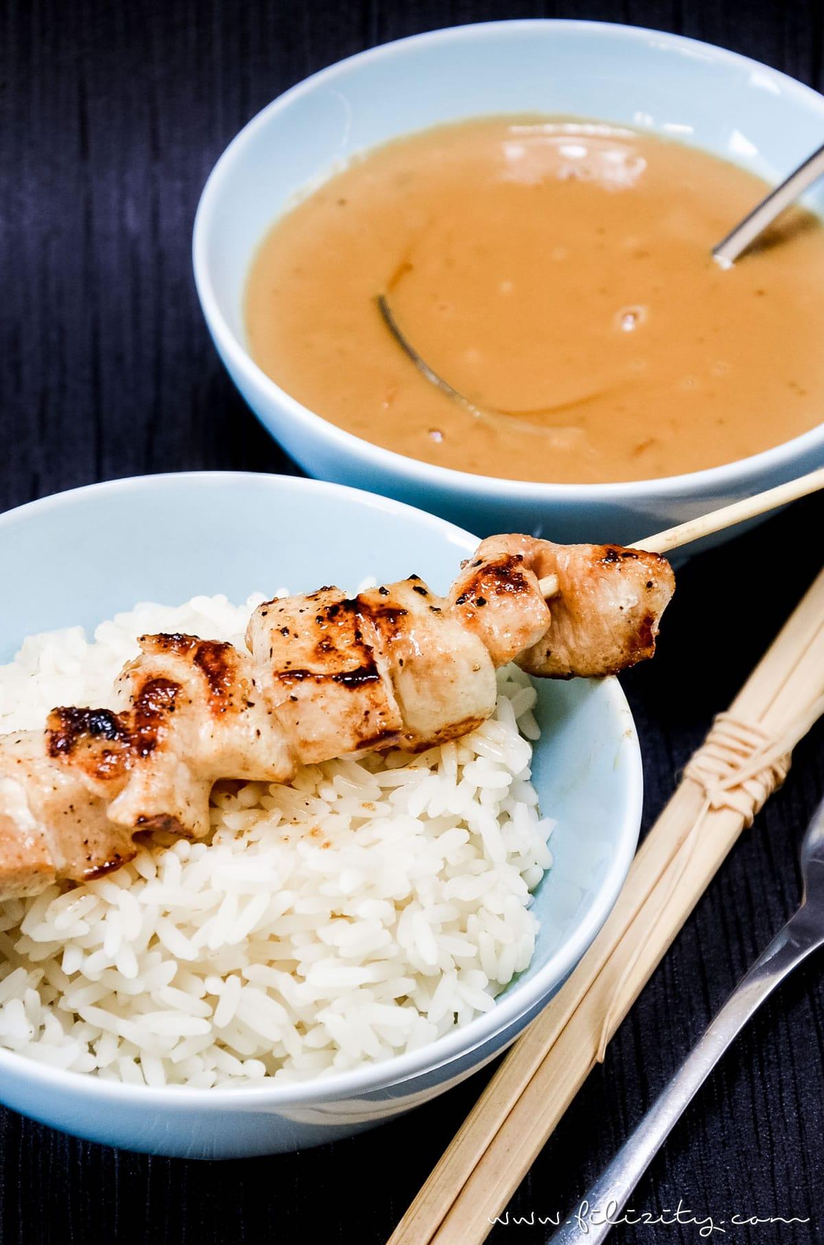 Asiatisches Rezept für Hähnchen-Spieße (Sate) mit Erdnuss-Soße | Filizity.com | Food-Blog aus dem Rheinland #sate #grillen