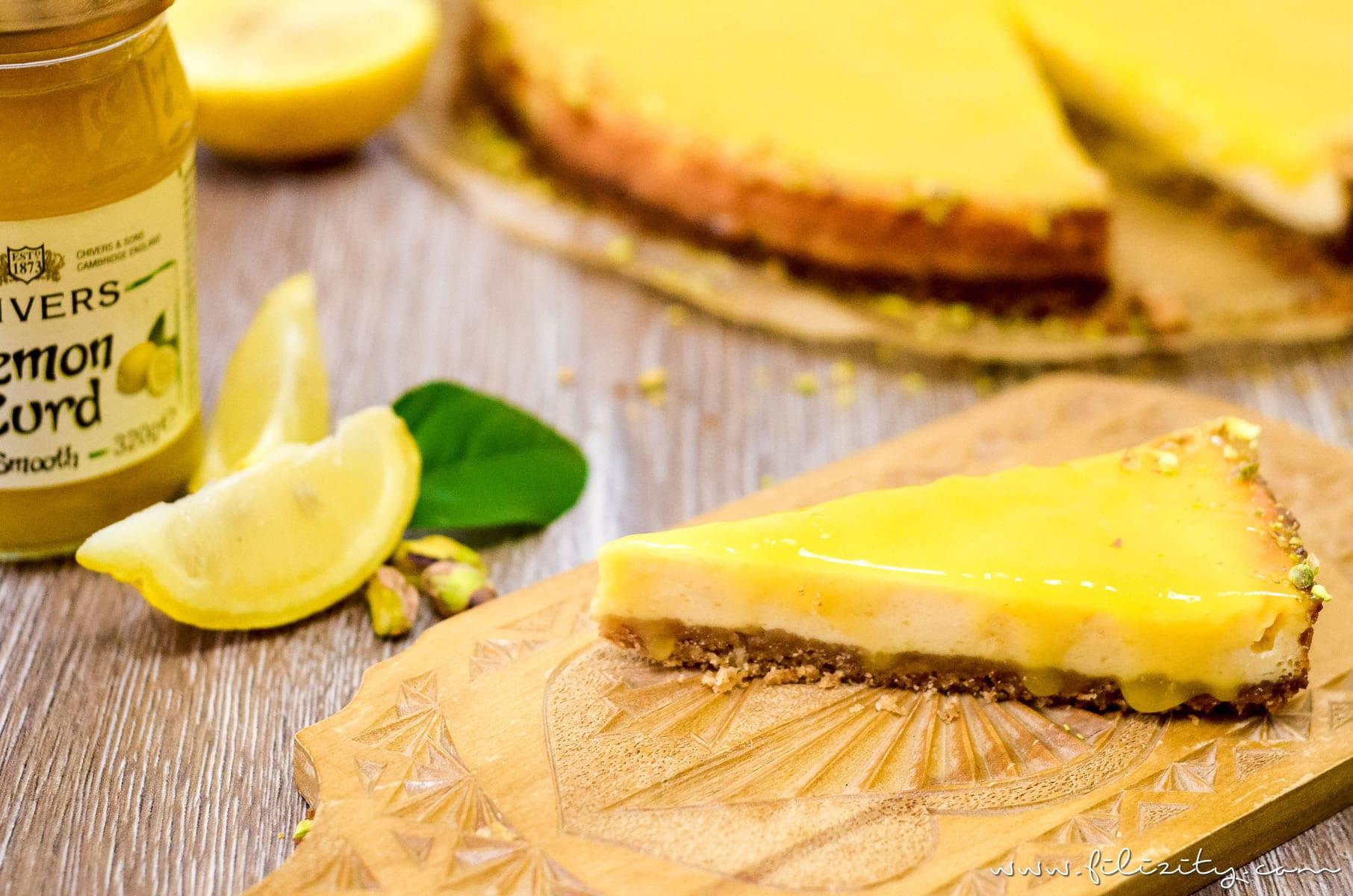 Rezept: Lemon Curd Cheesecake - Sommerfrischer Käsekuchen mit Zitronencreme | Filizity.com | Food-Blog aus dem Rheinland #cheesecake #käsekuchen #lemoncurd