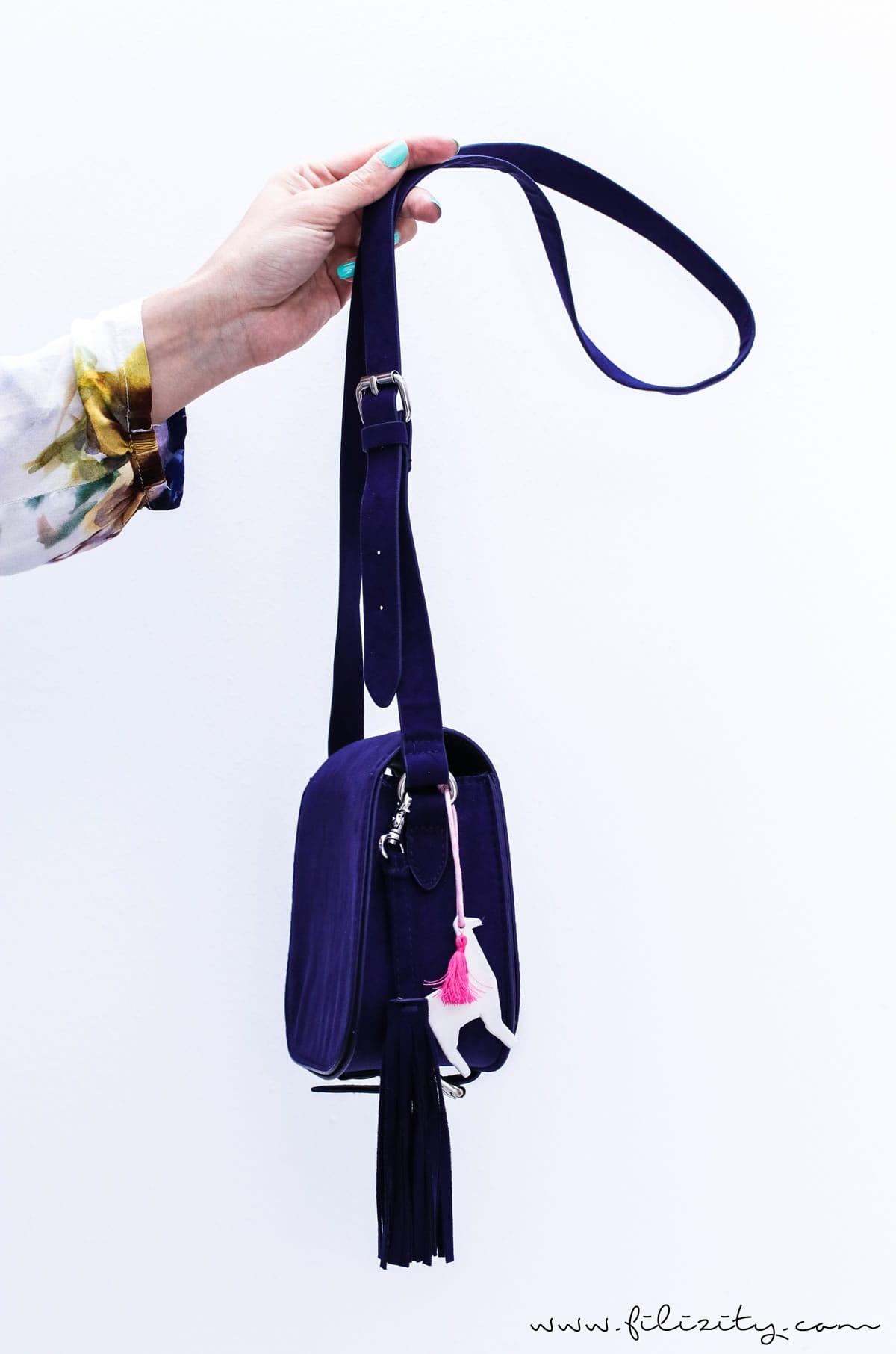 DIY Geschenkidee: Lama Schlüssel- & Taschen-Anhänger aus Modelliermasse | Filizity.com | DIY-Blog aus dem Rheinland #lama #fimo #kaltporzellan