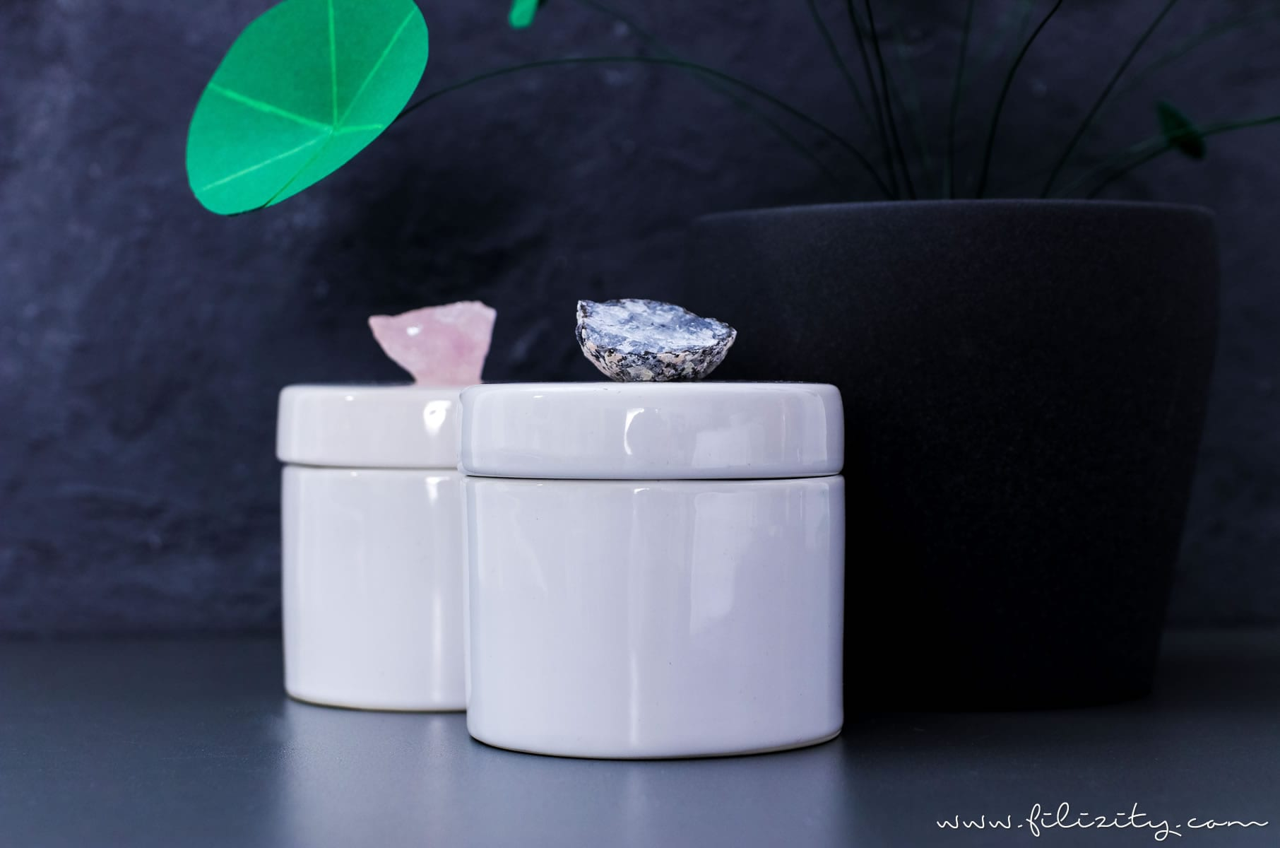 Luxus-Deko selber machen: DIY Kristalldosen