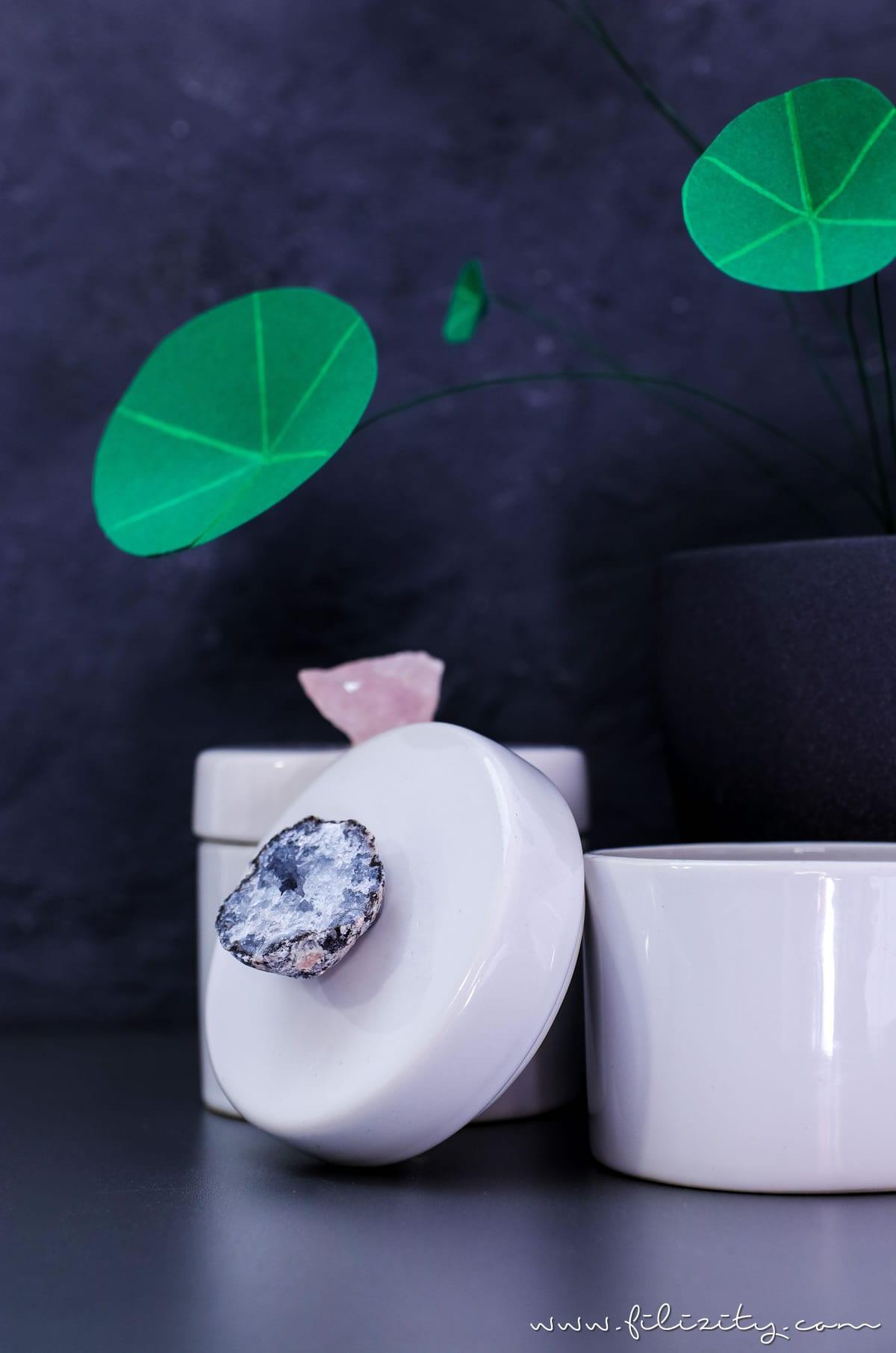 Luxus-Deko selber machen: DIY Porzellan Aufbewahrungsdosen mit Kristalldeckel schnell & günstig selbst gemacht | Filizity.com | DIY-Blog aus dem Rheinland #luxus #deko