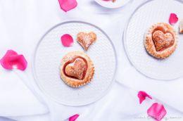 Rezept für Schnelle Blätterteig-Herzen mit Marmelade | Teilchen backen ganz einfach | Filizity.com | Food-Blog aus dem Rheinland #valentinstag #muttertag #hochzeit