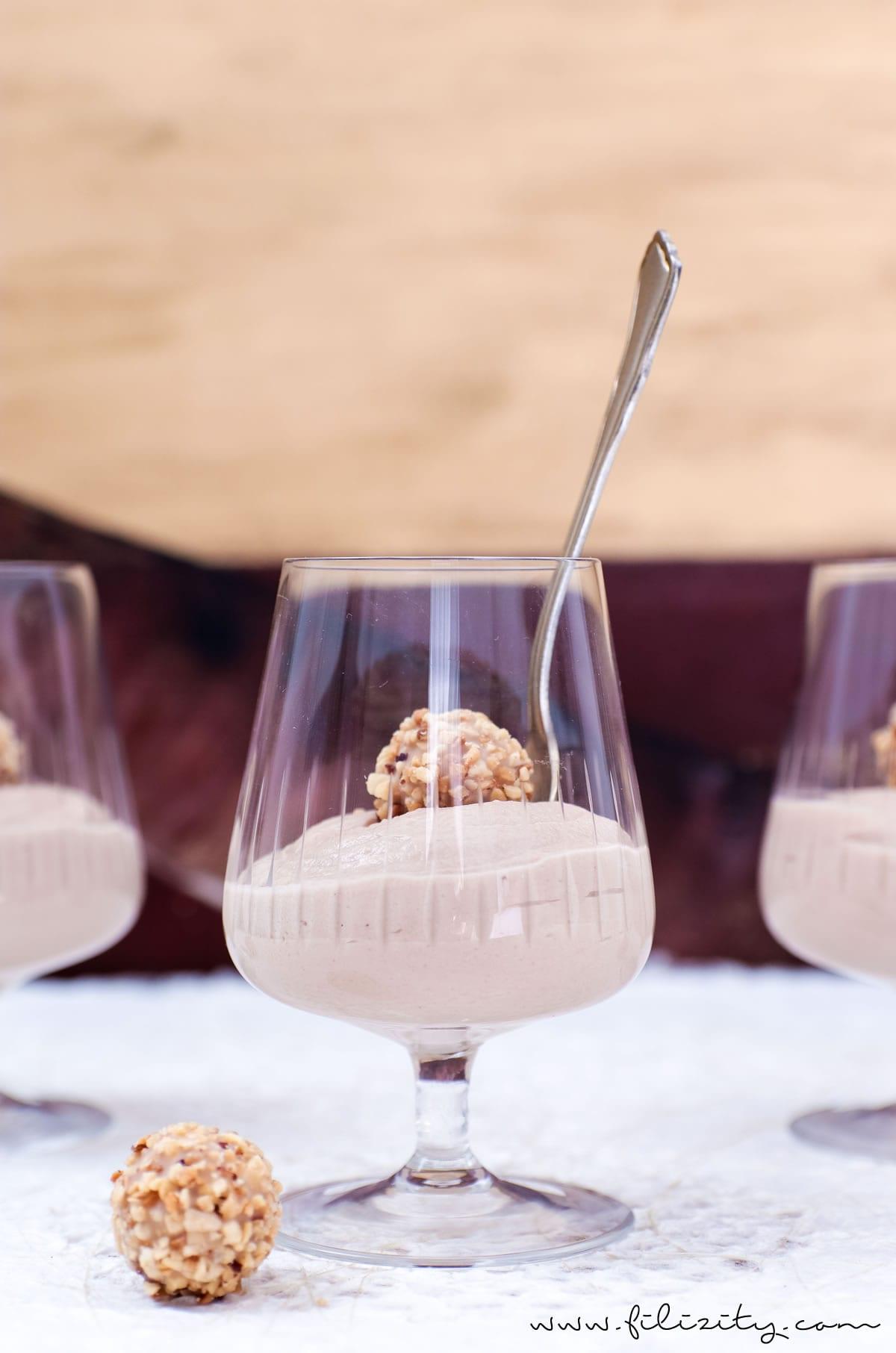 Schnelles Dessert-Rezept: Schoko-Nougat-Mousse mit Quark | Filizity.com | Food-Blog aus dem Rheinland #dessert #nougat