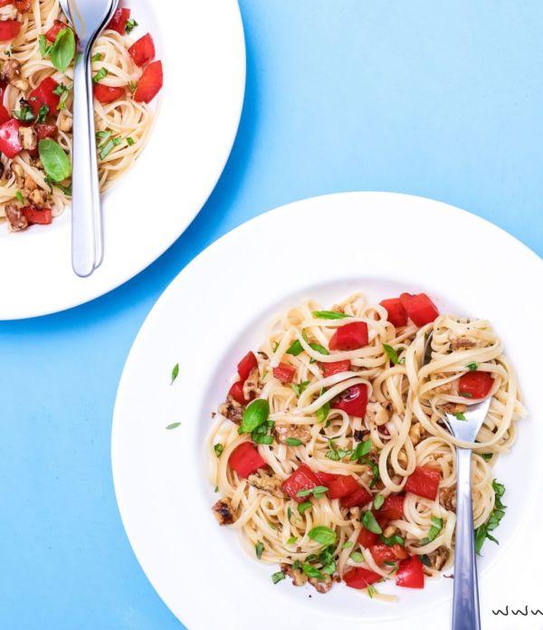 Linguine mit Paprika und Walnüssen – Einfaches Pasta-Rezept