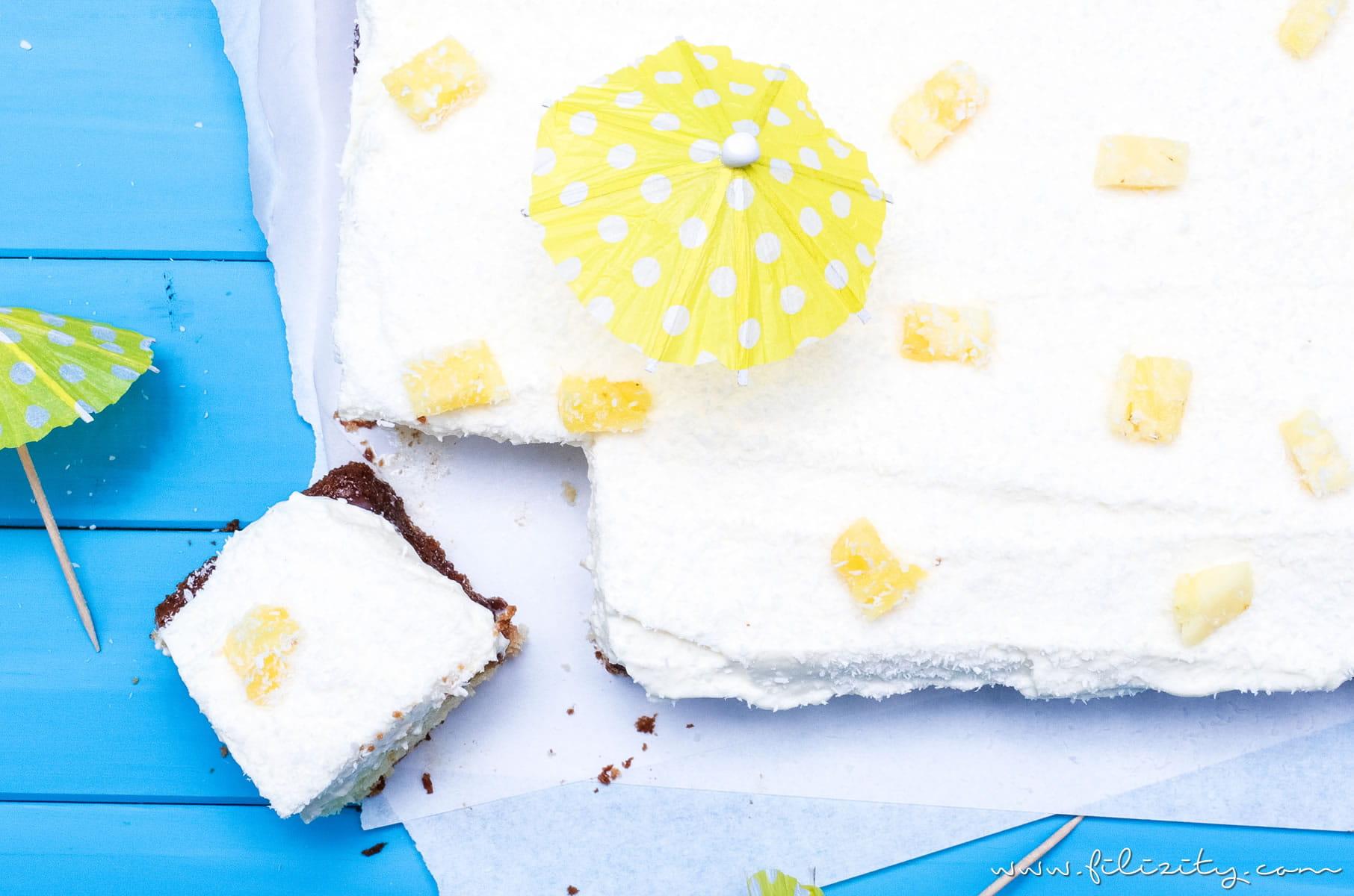 Rezept für Piña Colada Poke Cake | Die Torten-Variante des Cocktail Klassikers | Pina Colada Torte mit oder ohne Alkohol | Filizity.com | Food-Blog aus dem Rheinland