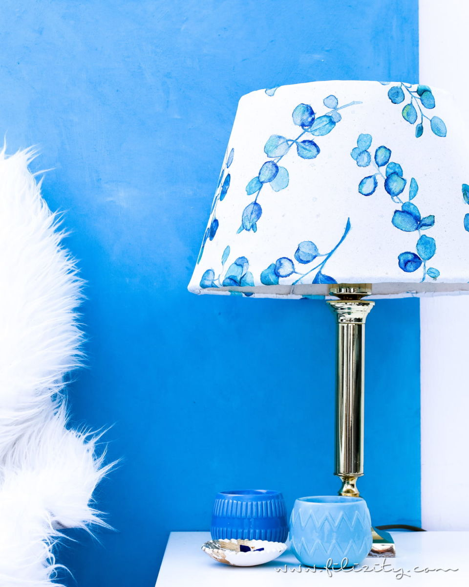 DIY Lampenschirm basteln aus Leinwand mit Aquarell
