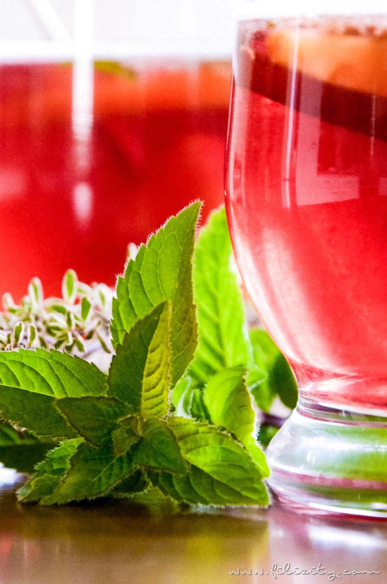 Rezept für prickelnde Aprikosen-Bowle - Ein erfrischender Sommerdrink perfekt für Partys | Filizity.com | Food-Blog aus dem Rheinland #sommer #drink #bowle #mocktail