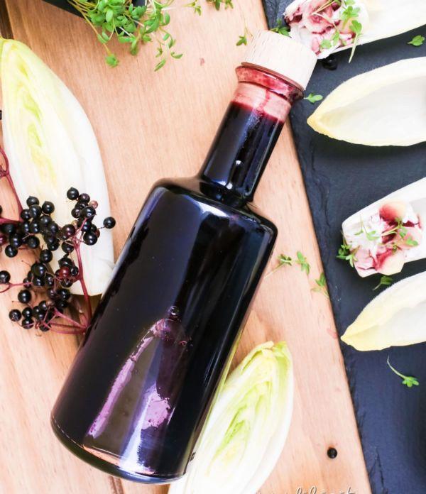 Holunder-Essig selber machen  – Geschenke aus der Küche