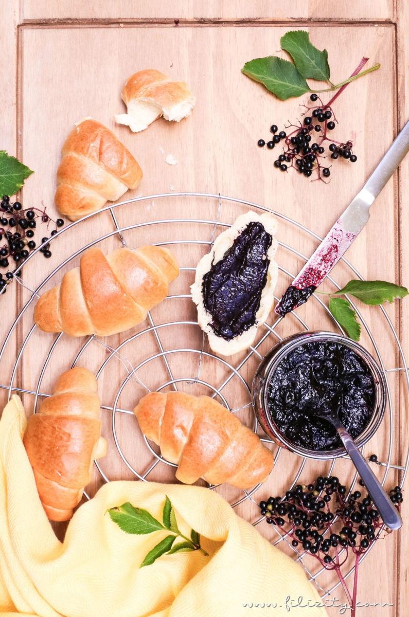 Einfaches Rezept für Holunder-Konfitüre zum Selbermachen | Leckerer Brot-Aufstrich zum Frühstück | Filizity.com | Food-Blog aus dem Rheinland #holunder #holler #herbst #sommer
