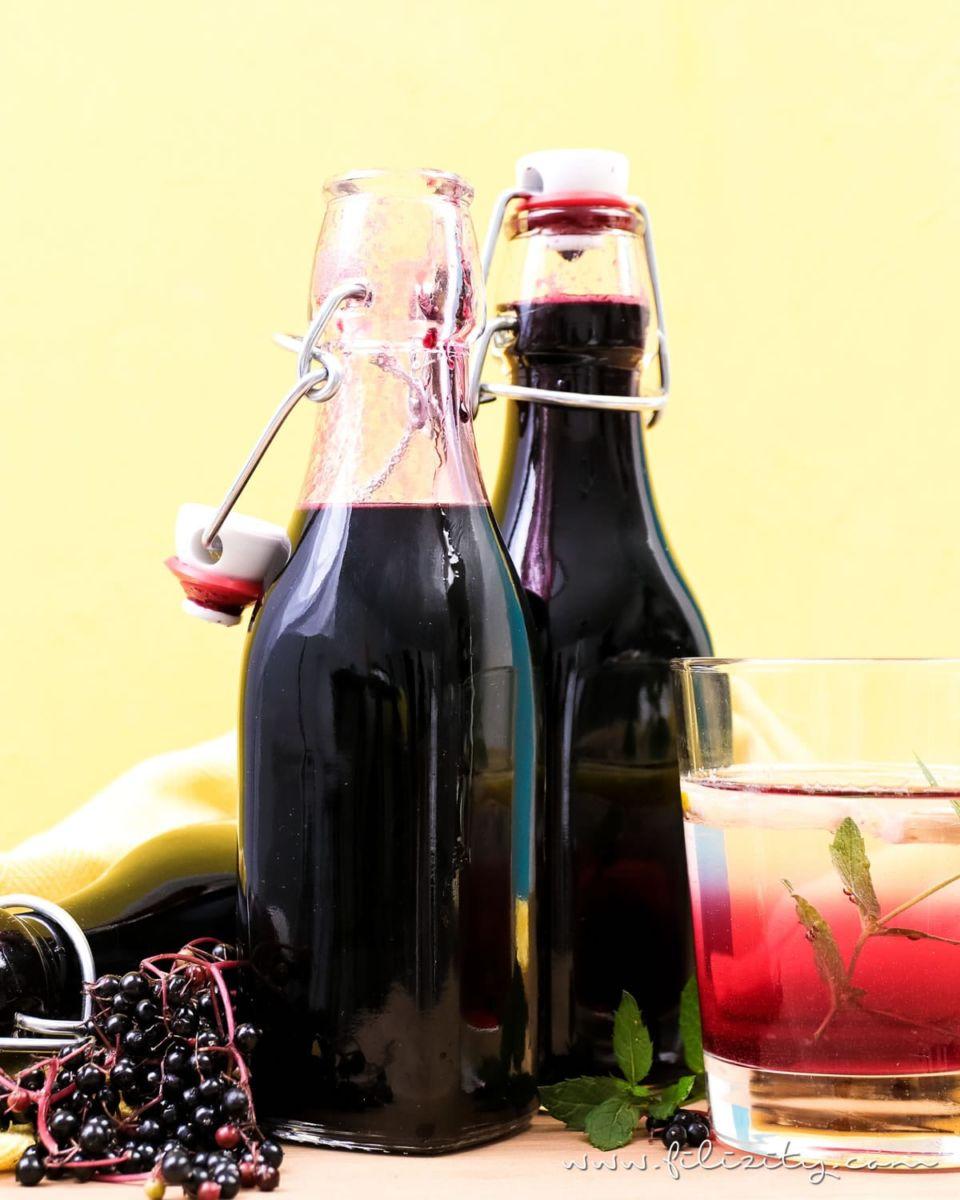 Holunderbeeren-Sirup Rezept (Fliederbeerensirup) für Getränke & mehr