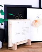 DIY Tischkalenderbrett aus Holzresten + Download Minimalistischer Tischkalender 2019 | Stylischer Helfer für deinen Schreibtisch | Filizity.com | DIY Blog aus dem Rheinland #kalender #2019 #download #printable #minimalistisch
