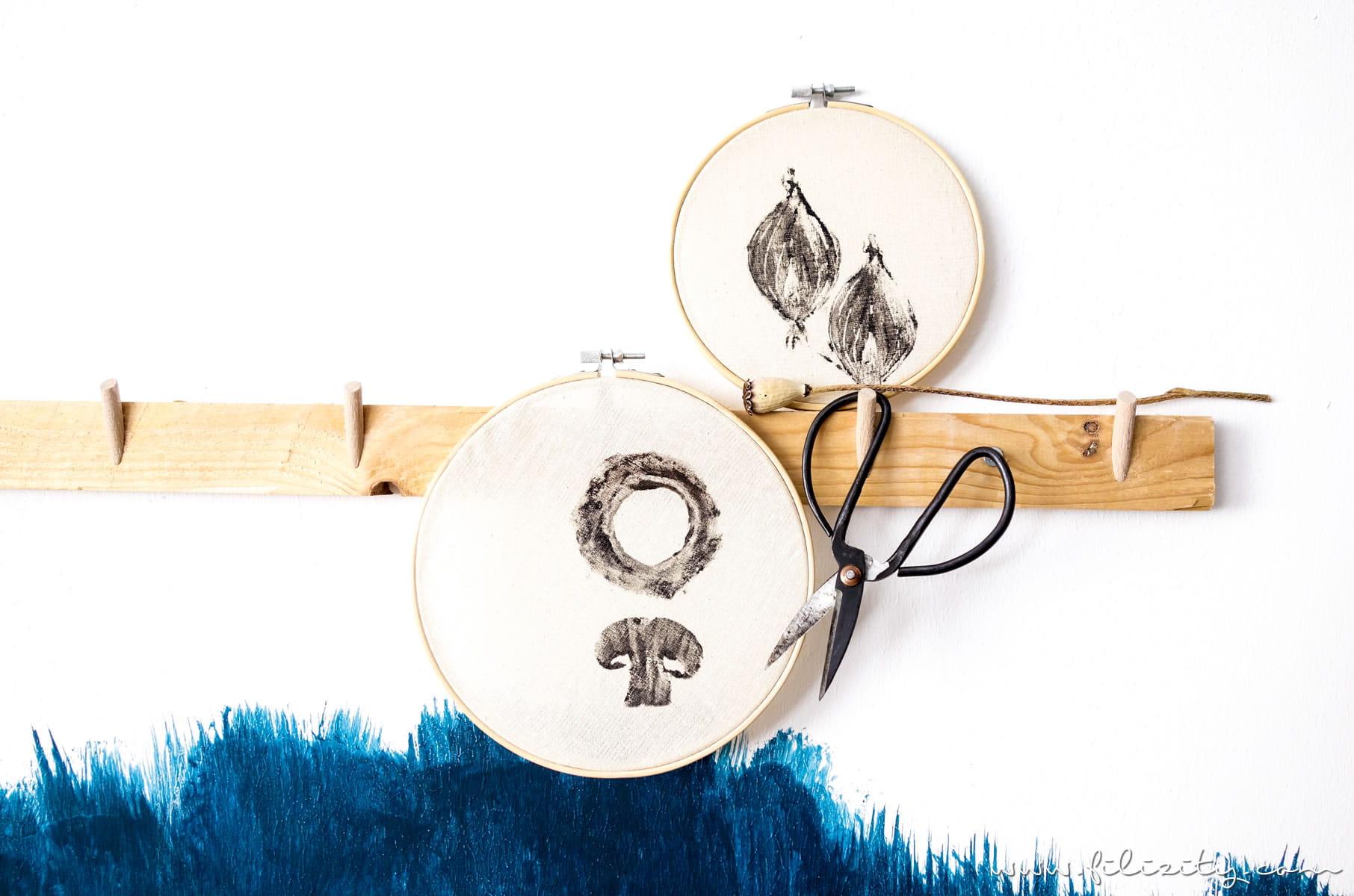 Stoff bedrucken mit DIY Stempeln - Deko für die Küche selber machen - 5 Blogs 1000 Ideen   Filizity.com - DIY Blog aus dem Rheinland #shabbychic #stempel #lastminute